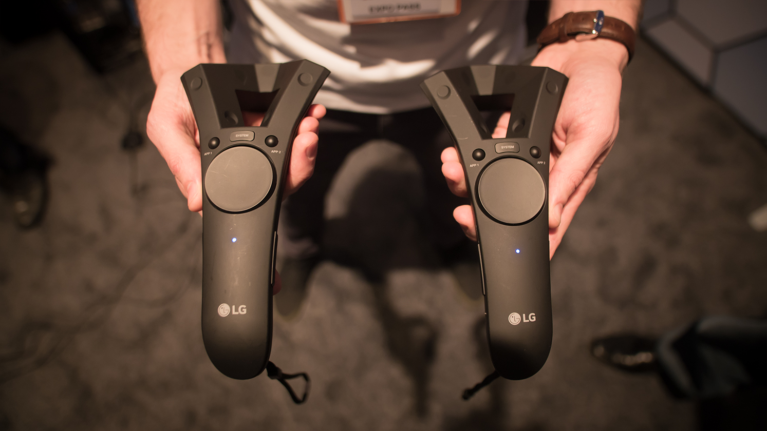 lg vr controllers