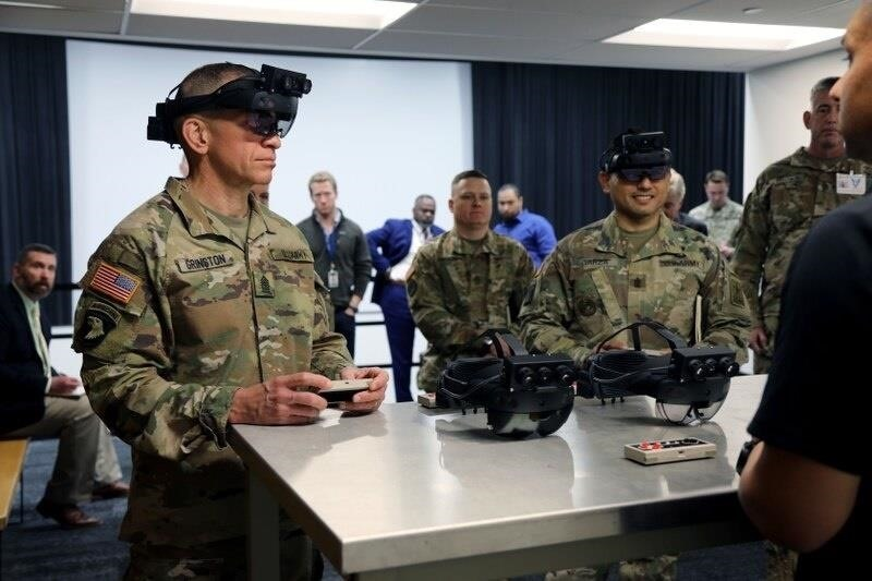 Modified HoloLens 2 for the US Military revealed