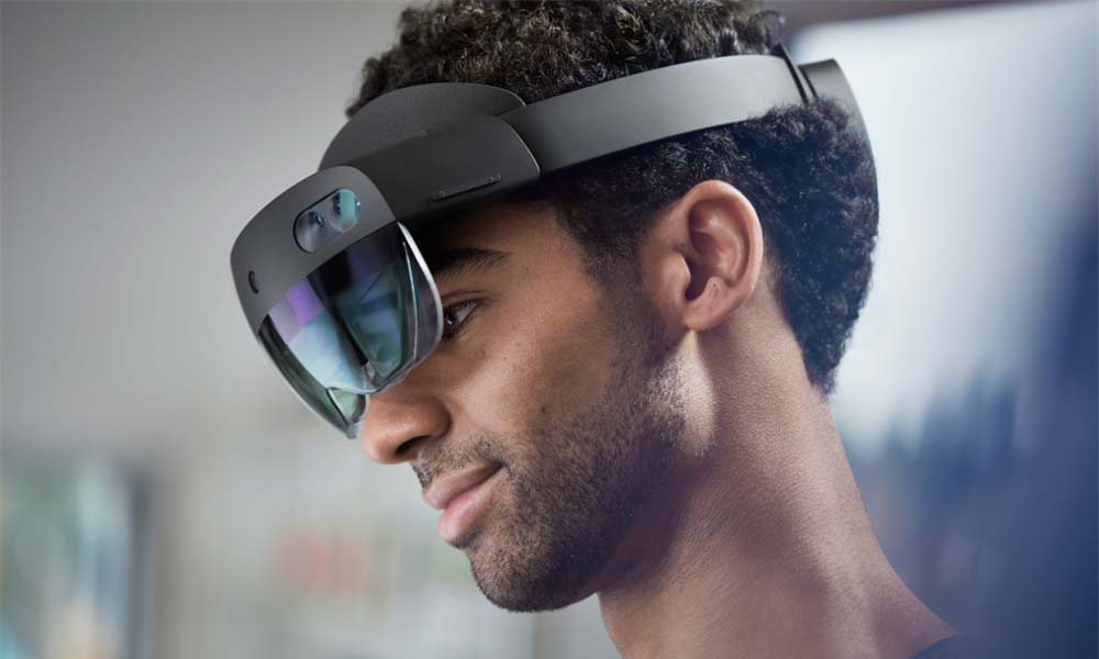 New HoloLens 2 Update Brings a Host of New Features