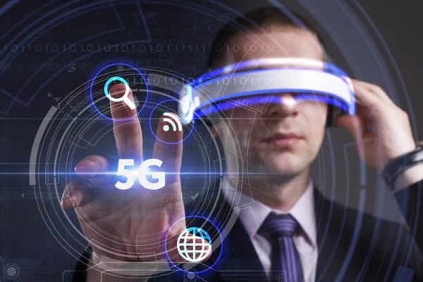 5G Networks Expected to Revolutionize Virtual Reality and Augmented Reality Experience